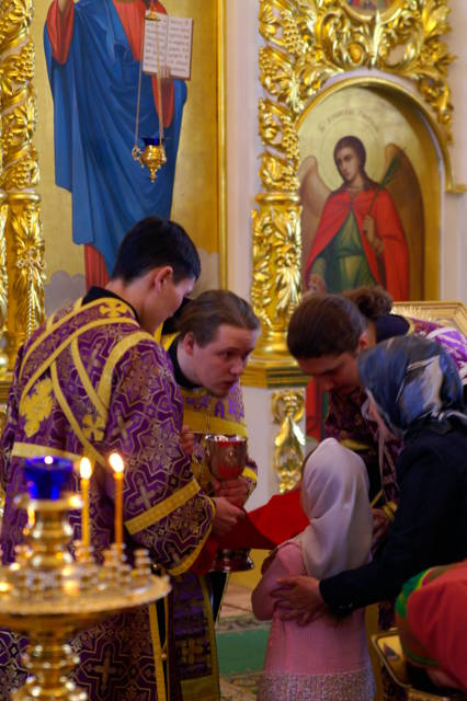 Причастие, ребёнок, священник, Сергий Клинцов, Якутск