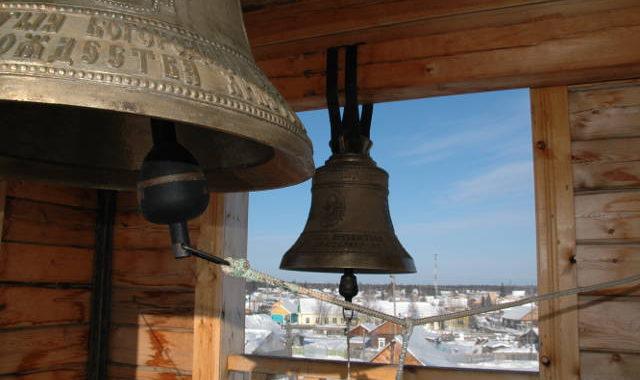 колокольня, колокол, вид из окна колокольни
