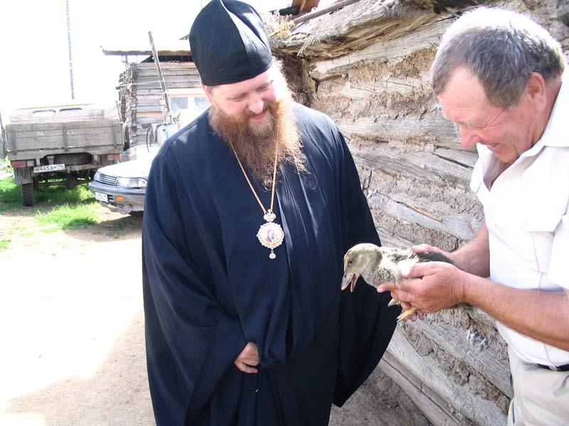 Владыка Зосима в деревне