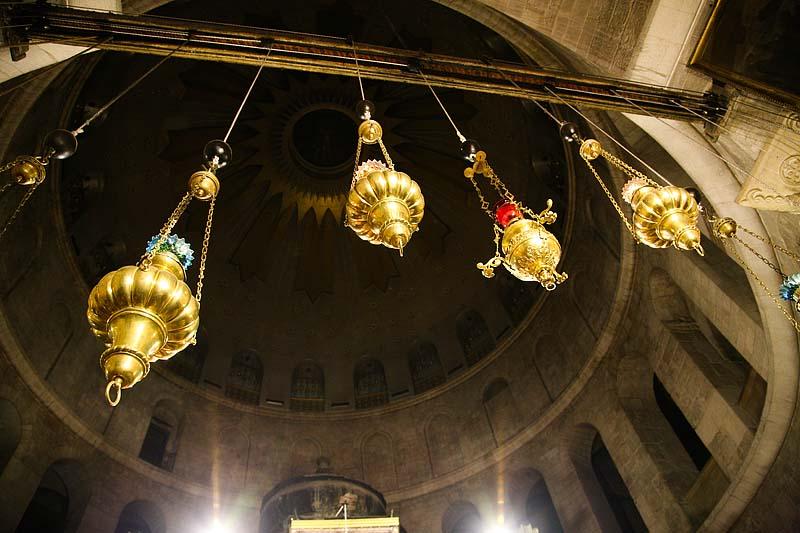 Лампады в Храме Гроба Господня