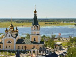 Вниз по Лене-реке: от храма к храму (полный текст без иллюстраций)