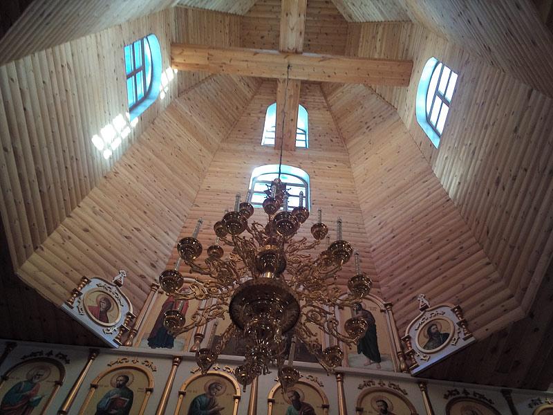 Внутреннее устройство Свято-Никольского храма в с. Мача