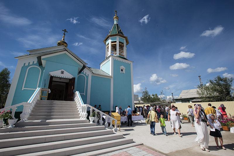 Храм по имя прп. Серафима Саровского. в п. Мохсоголлох. Фото Юлии Маковейчук