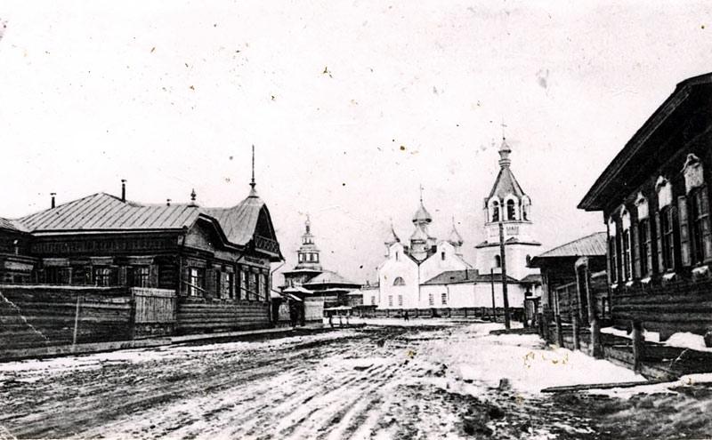 Преображенская церковь г. Якутска Фото 1915 г.