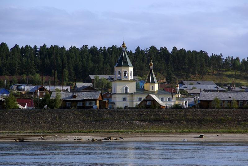 Вид на Спасский собор г. Олёкминска с р. Лены