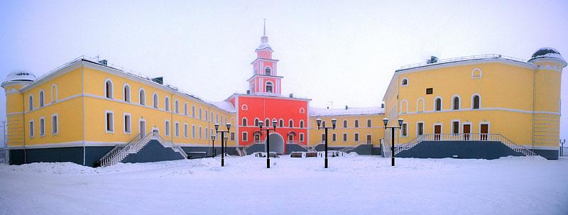 Якутская духовная семинария. Вид со двора